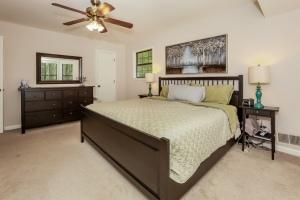 022-Bedroom-1189205-mls