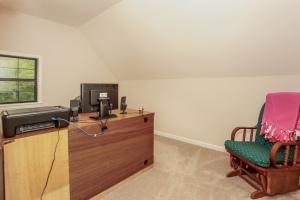 025-Office-1189209-mls