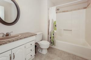 028-Bathroom-1189206-mls